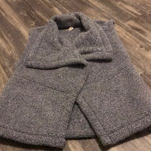 LUCY gray vest size medium